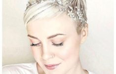 9 Most Beautiful Wedding Hairstyles for Short Hair bf9ee5330ee69bc12d6a7d1dc7838f46-235x150