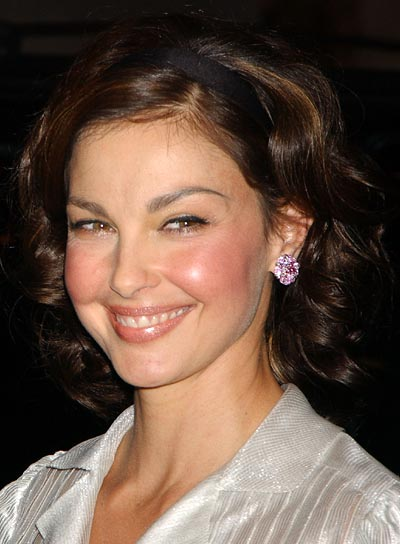 Cute Short Haircuts for Round Faces Short-Haircuts-for-Round-Faces-and-Wavy-Hair
