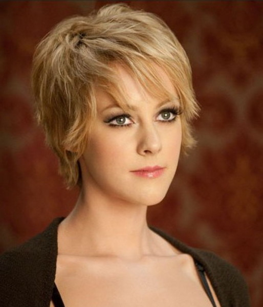 Cute Short Straight Hairstyles for Women