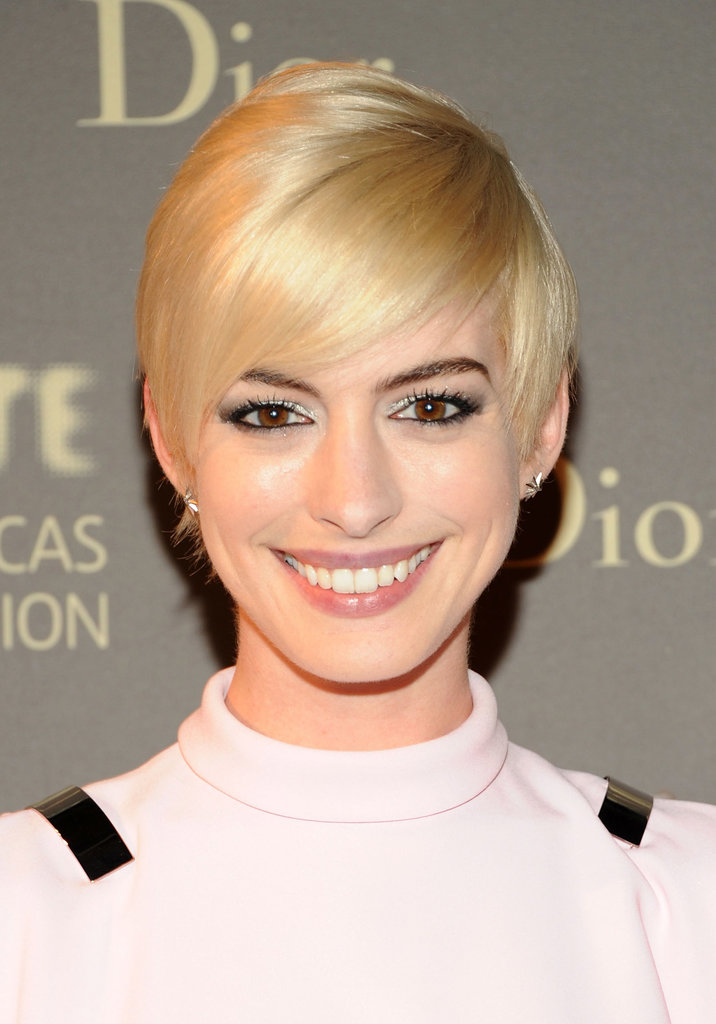 Best Celebrity with Short Pixie Hairstyles Anne-Hathaway-with-Short-Pixie-Hairstyles
