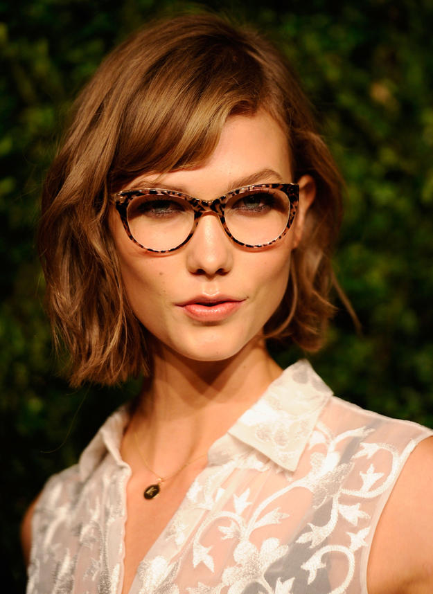 Best Short Hairstyles with Bangs 2015 Karlie-Kloss-Short-Hairstyles-with-Bangs