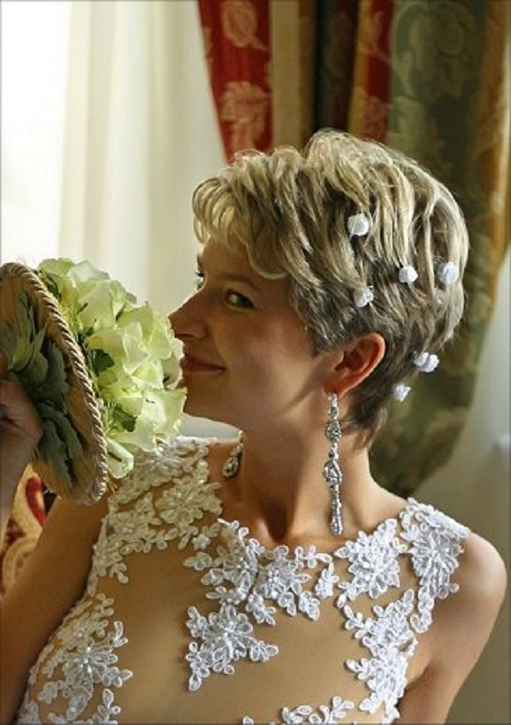 Beautiful Short Wedding Hairstyles 2015 Latest-Short-Wedding-Hairstyles-2013
