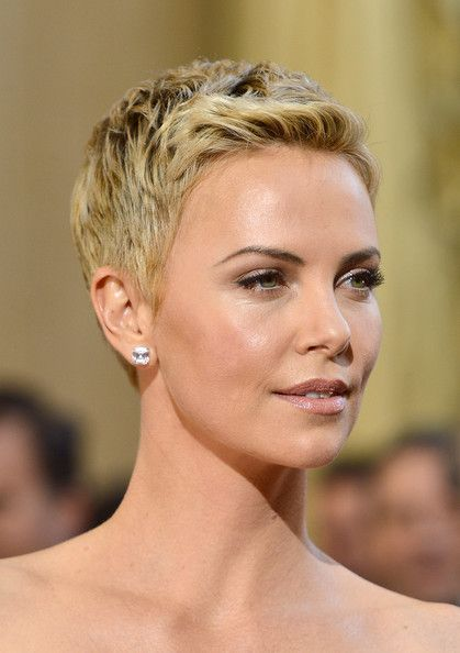 10 Cute Short Blonde Haircuts for Older Women (Updated 2021) Ombre-blonde