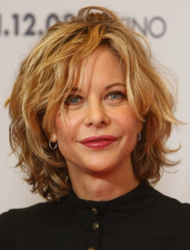 Short Layered Haircuts for Women Over 40 Short-Layered-Haircuts-for-Women-Over-40-with-Thick-Hair