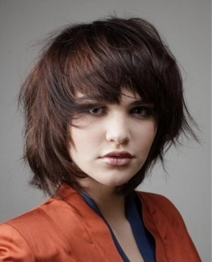Short Layered Hairstyles For Oval Faces
