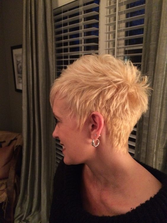 Spiky Pixie Haircut For Over 50 Women With Fine Hair 7