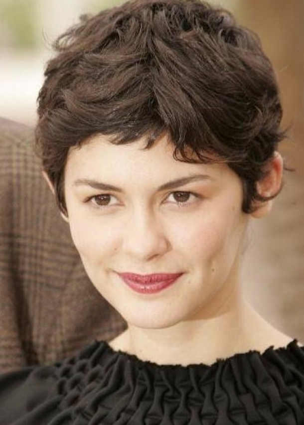 Trendy Short Curly Haircuts for Women Trendy-Short-Curly-Pixie-Haircuts