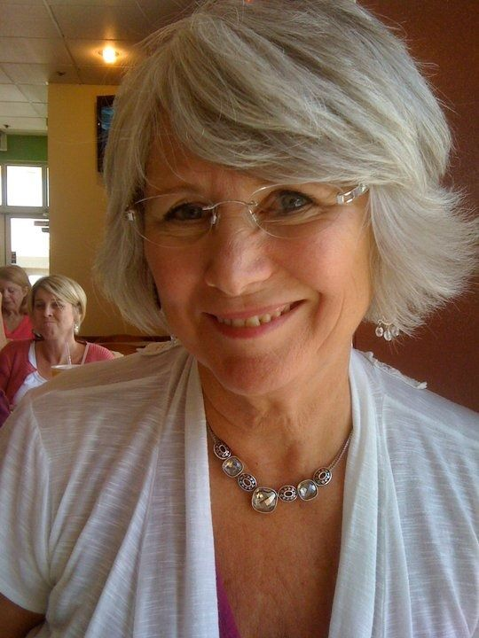 Cute short hairstyle for women over 60 1