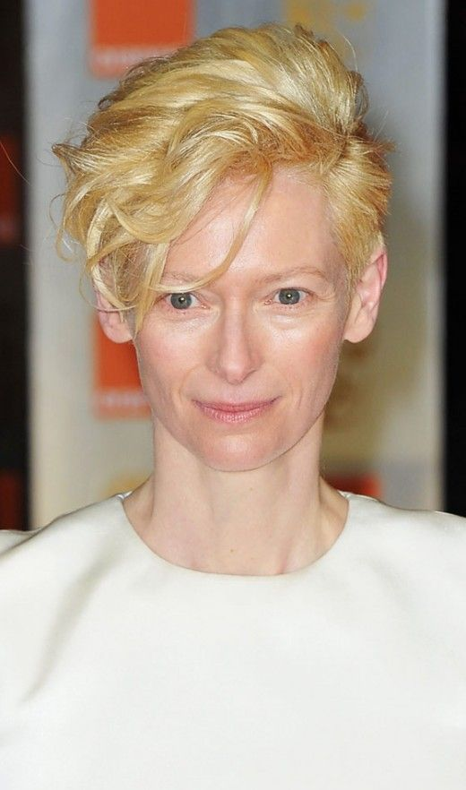 Perfect short haircut for women over 60 with oval face 3 1eac59787dad8bb39a27953f54ed2765