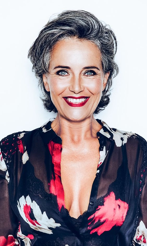 72 Beautiful Short Hairstyles for Women Over 60 (Updated 2019) 754c5569f45144d93f04eaeec7a644b5
