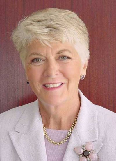 Cute Short Layered Haircuts for Women Over 50 2