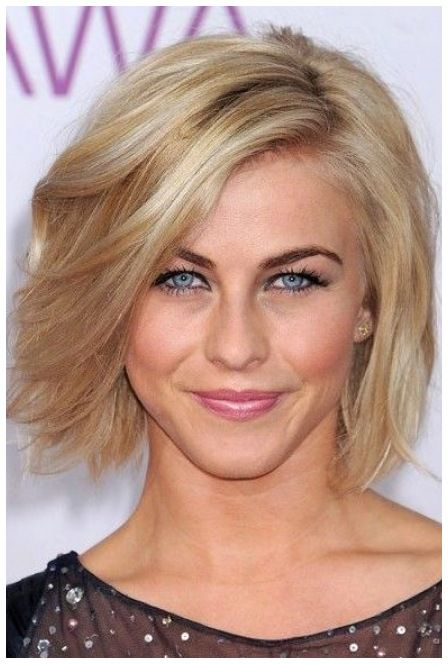 20 Stunning Short Angled Bob Hairstyles for Older Women (Updated 2021) Shaggy-angled-razor-cut