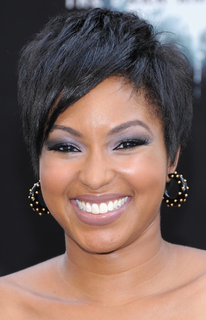 Short Haircuts for Round Faces Black Women