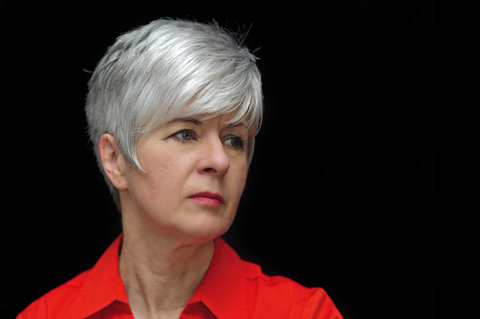 Short Haircuts for Women Over 50 With Oval Faces