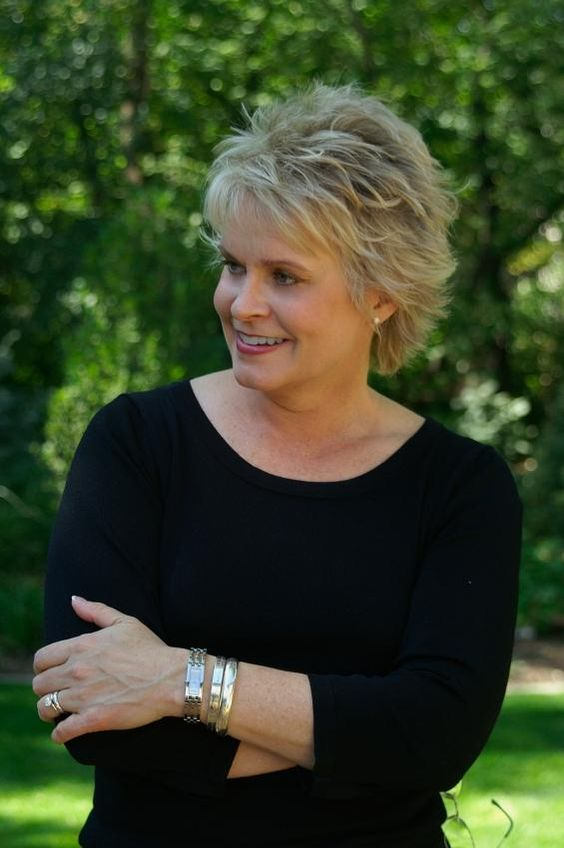Beautiful and Cute Short Layered Haircuts for Women Over 50 5