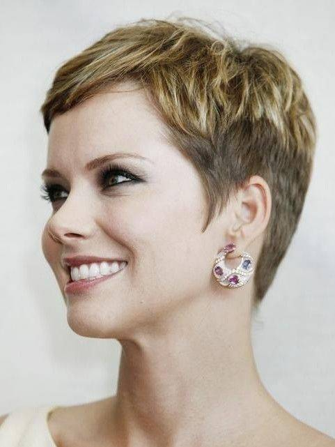 Cute Short Hairstyles for Women Over 40 2014