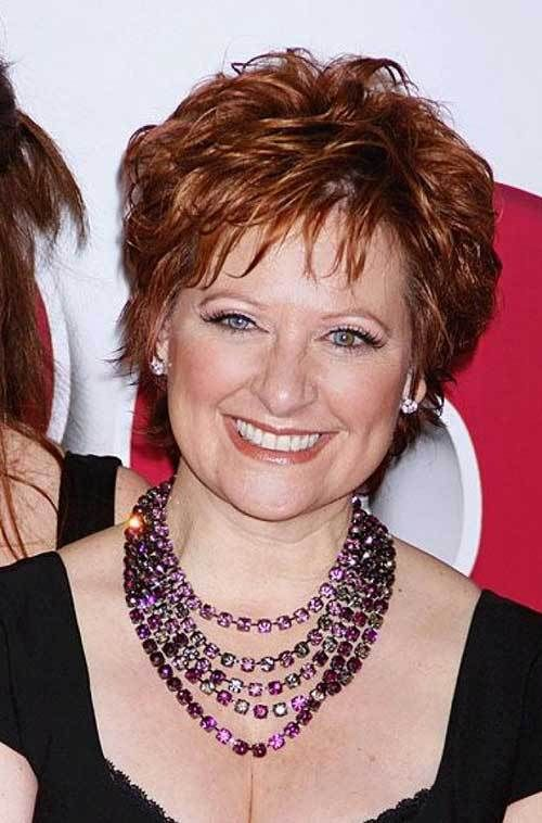 Perfect short shag haircut style for women over 50 4