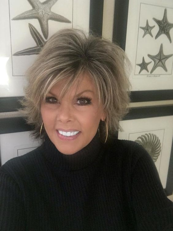 The best looking medium shag hairstyles for women over 50 6