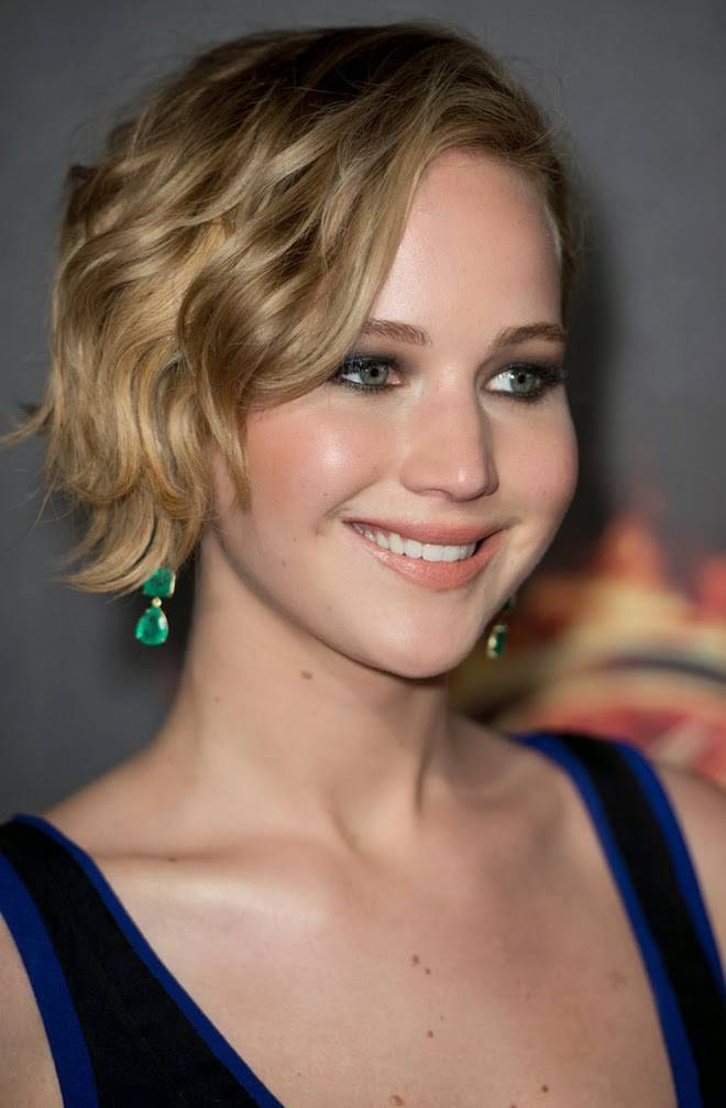 2014 Celebrity Hairstyles for Short Hair Jennifer-Lawrence-Short-Wavy-Hairstyles