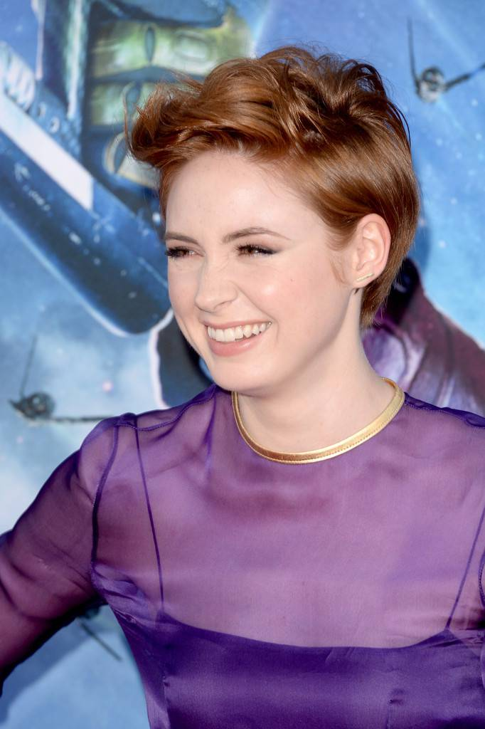 2014 Celebrity Hairstyles for Short Hair Karen-Gillan-Cute-Short-Haircuts-2014