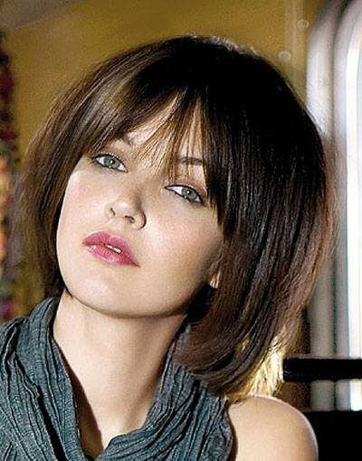 short layered hairstyles with bangs for thick hair