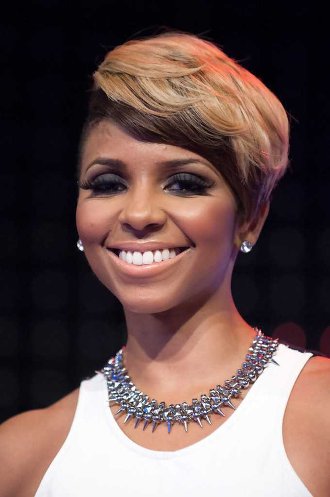 Cute Short Hairstyles for Black Women 2015 short-hairstyles-for-black-women-with-round-faces