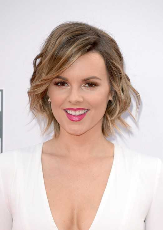 short layered hairstyles for thick wavy hair