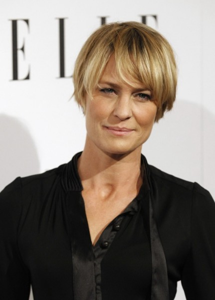 2015 Short Hairstyles For Women Over 40 short-hairstyles-with-bangs-for-women-over-40-431x600