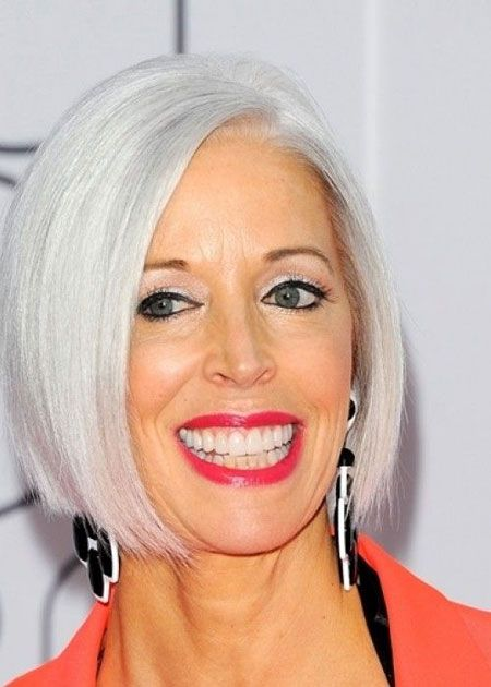 Gorgeous gray bob hairstyles that perfect for older women 5