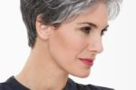 Beautiful Short Pixie Haircuts For Women With Gray Hair 6