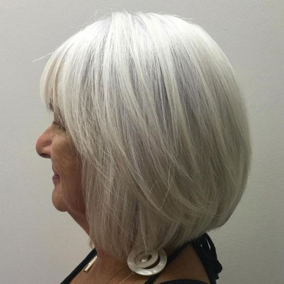 Gorgeous gray bob hairstyles that perfect for older women 7