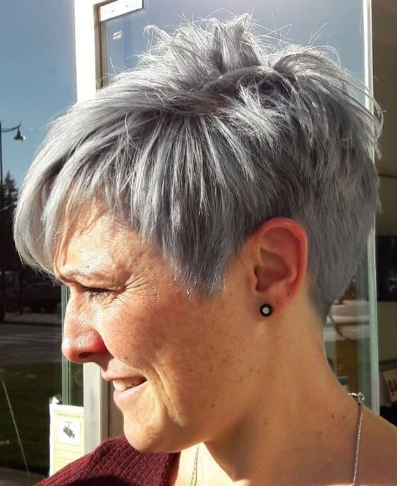 Gray wedge haircuts for older women 11