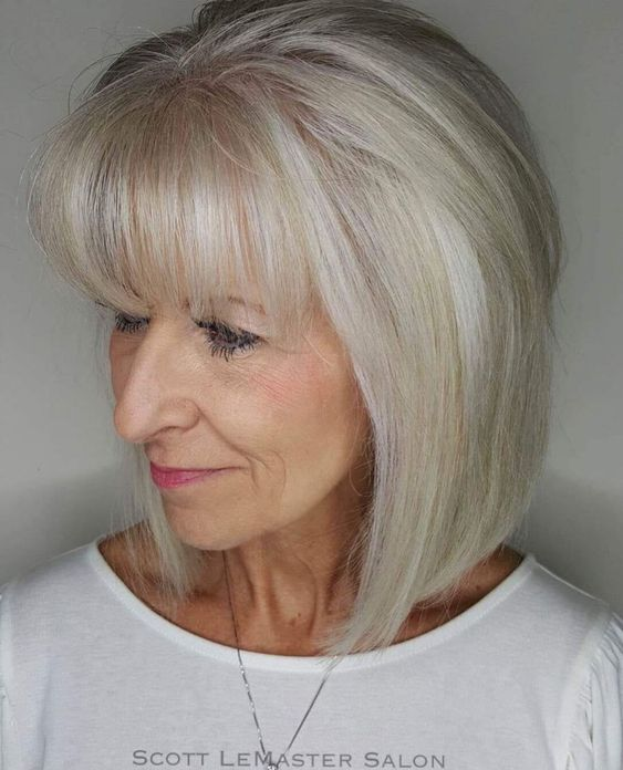 Gorgeous gray bob hairstyles that perfect for older women 9