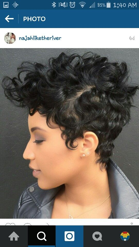 Curly Spike Hairstyle for African American Women 3