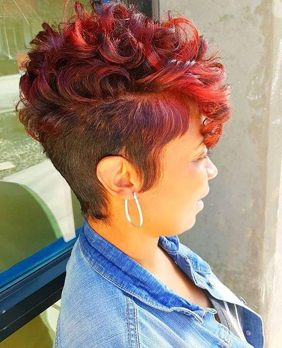 Curly Spike Hairstyle for African American Women 5