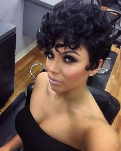 Big Soft Curls Hairstyle for African American Women 1