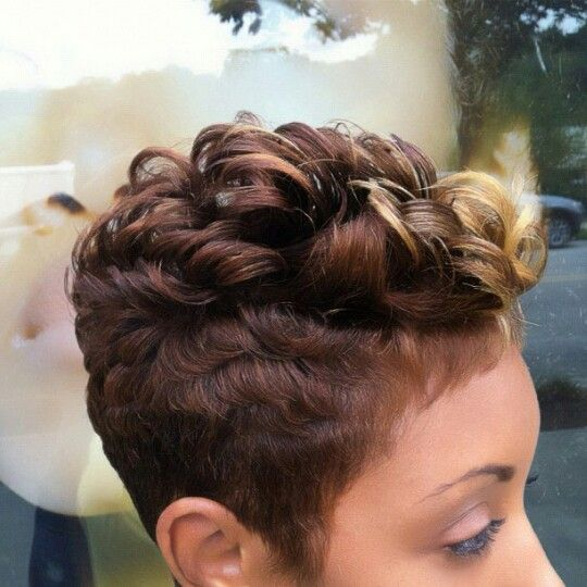Curly Spike Hairstyle for African American Women 9
