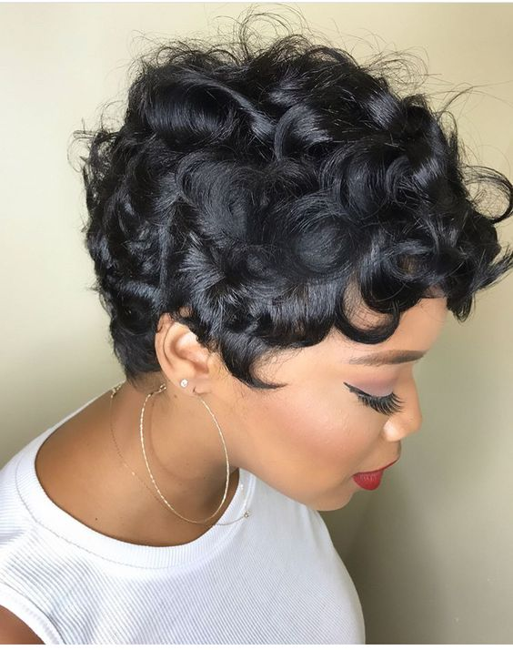 Curly Pixie Haircut Style for Black Women 11