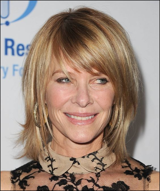 angled-cut-hair-style-women-over-50-3 angled-cut-hair-style-women-over-50-3