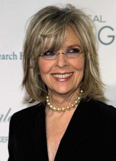 Short Hairstyles for Women Over 60 with Glasses chin-length-bob-women-over-60-3