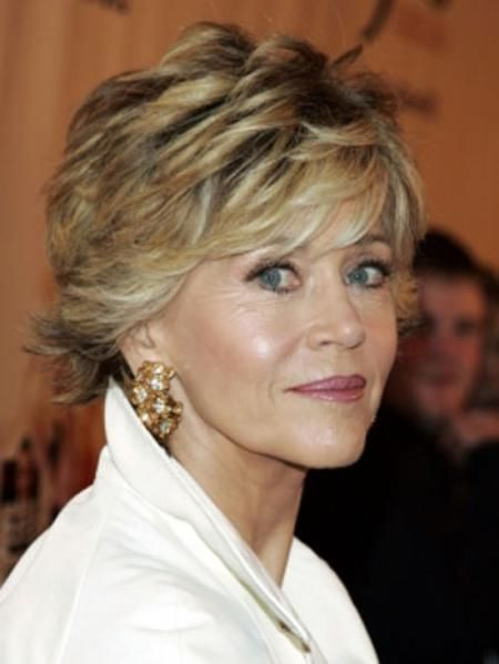 How to Make Women Over 60 Look Younger wedge-haircut-older-women-3