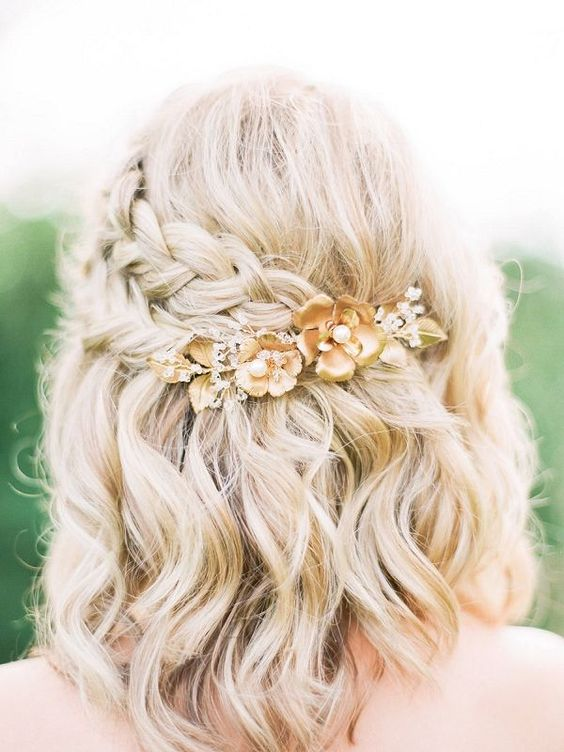 Should Try These Points: Prom Hairstyles for Short Hair Blonde_side_braided_style_4-1