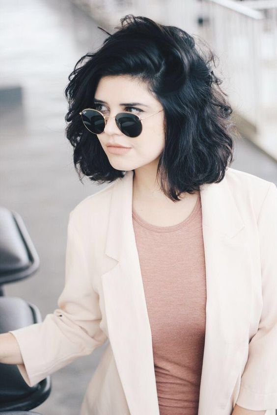 Short Black Hair That is Very Enchanting! Curling_short_black_hair_1
