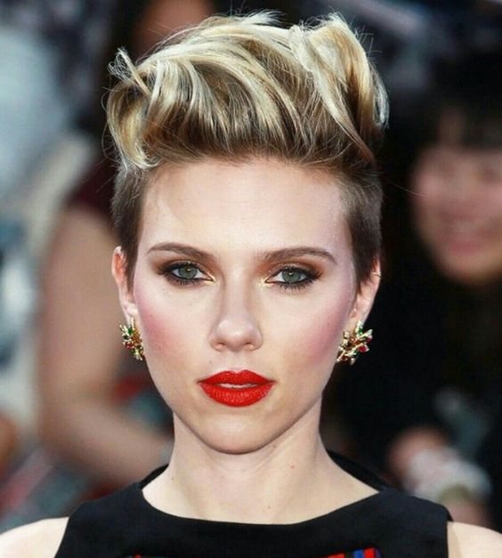 Dress Well with Your Short Hairstyles 2017 Elegant_Fauxhawk_2-1