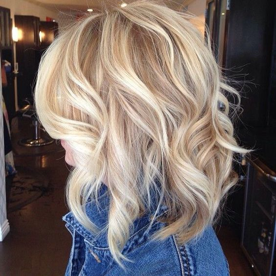 Latest Short Hairstyles 2017 Golden_Blonde_Layers_3