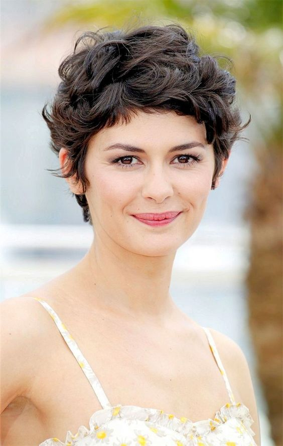 Short Haircuts for Curly Hair that You Should Check!