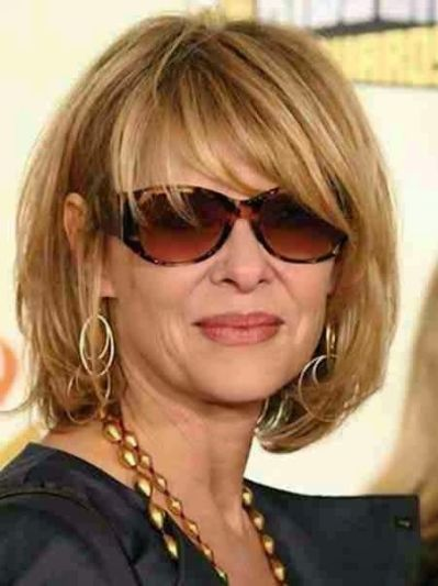 Classy Short Hairstyles for Older Women bouncy_bob_older_women_50yo_2-1