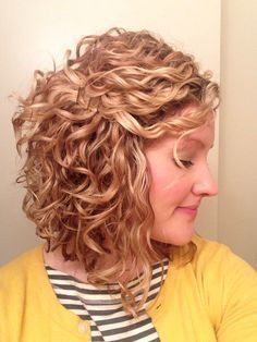 Short Hair With Layers To Increase The Beauty Of Yours curly_short_hair_layers_3