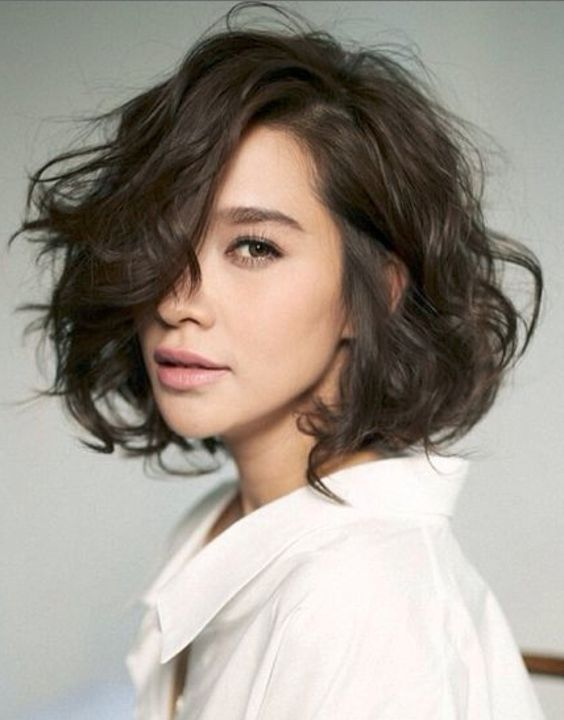 Trendy Inverted Bob Hairstyles messy_curly_bob_2