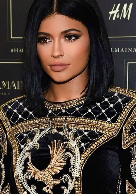Short Black Hair That is Very Enchanting! short_black_hairstyles_women_5-1